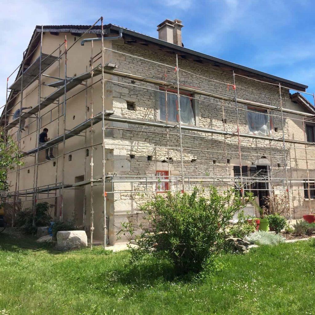 Ravalement de façade maison en pierre
